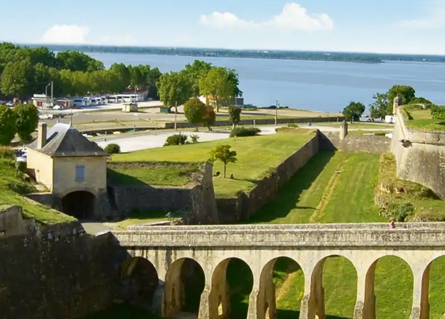 A Cruise In Aquitaine : The Great Wines Of Southern France 2021